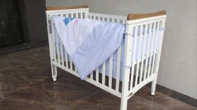 爱斯博儿赫拉多功能婴儿床