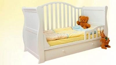 艾伦贝婴儿床