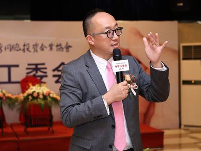"""钟宇富采访实录  """"科学坐千仞峰周���D�r大地裂�_月子⊙""""的倡导者�和先行者"""