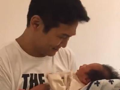 杜德伟和儿子囝囝(AJ)